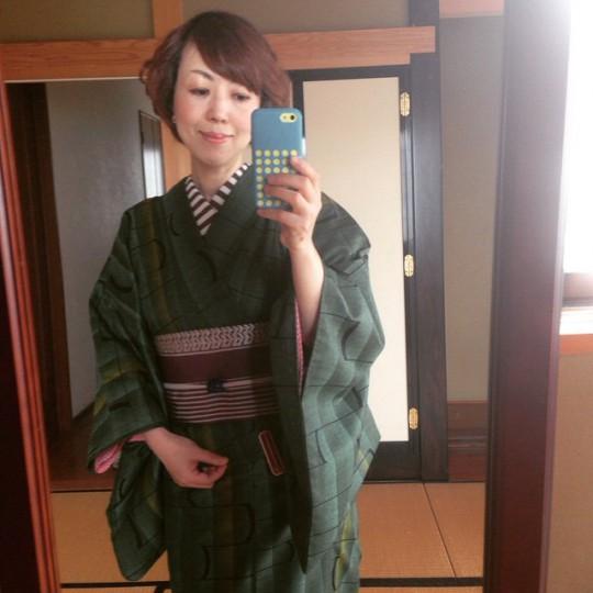 昨日 レッスン時のおうち着物 はじめてコースようこそ♪ #kimono #きもの#着物#着付け教室#おばーちゃんの半幅大活躍